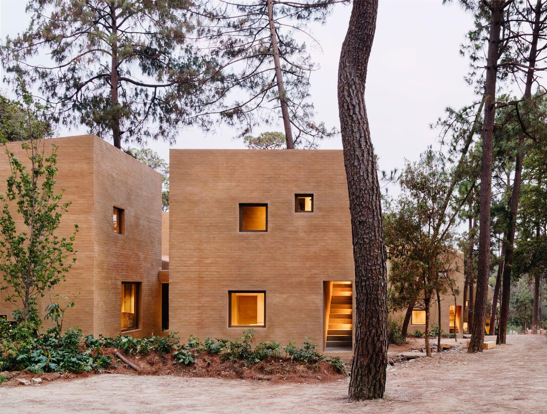 Entrepinos Housing in Valle de Bravo, Mexico by Taller Hector Barroso | Yellowtrace