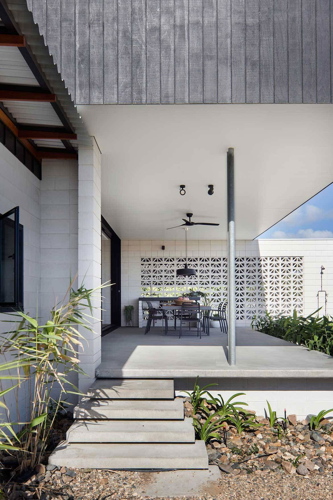 Inverdon House in Bowen, Australia by Chloe Naughton | Yellowtrace