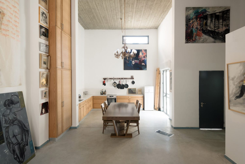 Art Apartment in Tel Aviv, Israel by Pertzov Architecture ...
