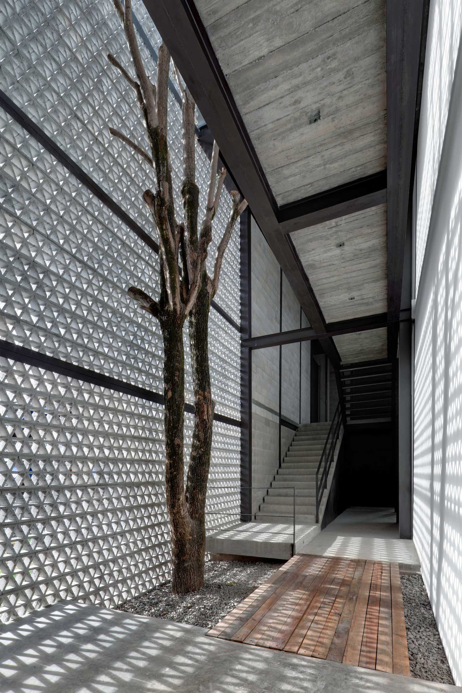 La Tallera Gallery & Museum in Morelos, Mexico by Frida Escobedo | Yellowtrace