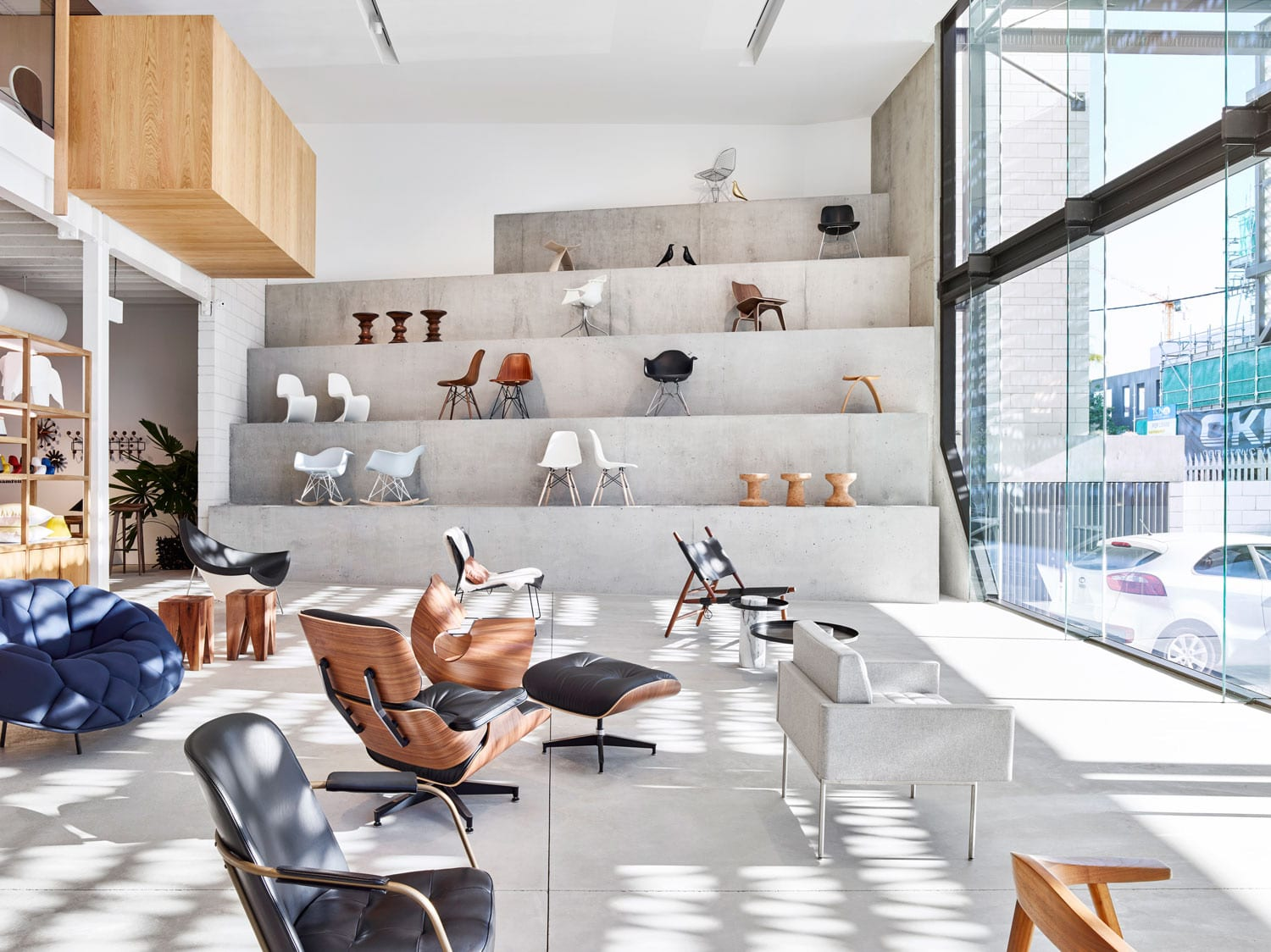 Living Edge Brisbane Showroom by Richards and Spence | Yellowtrace