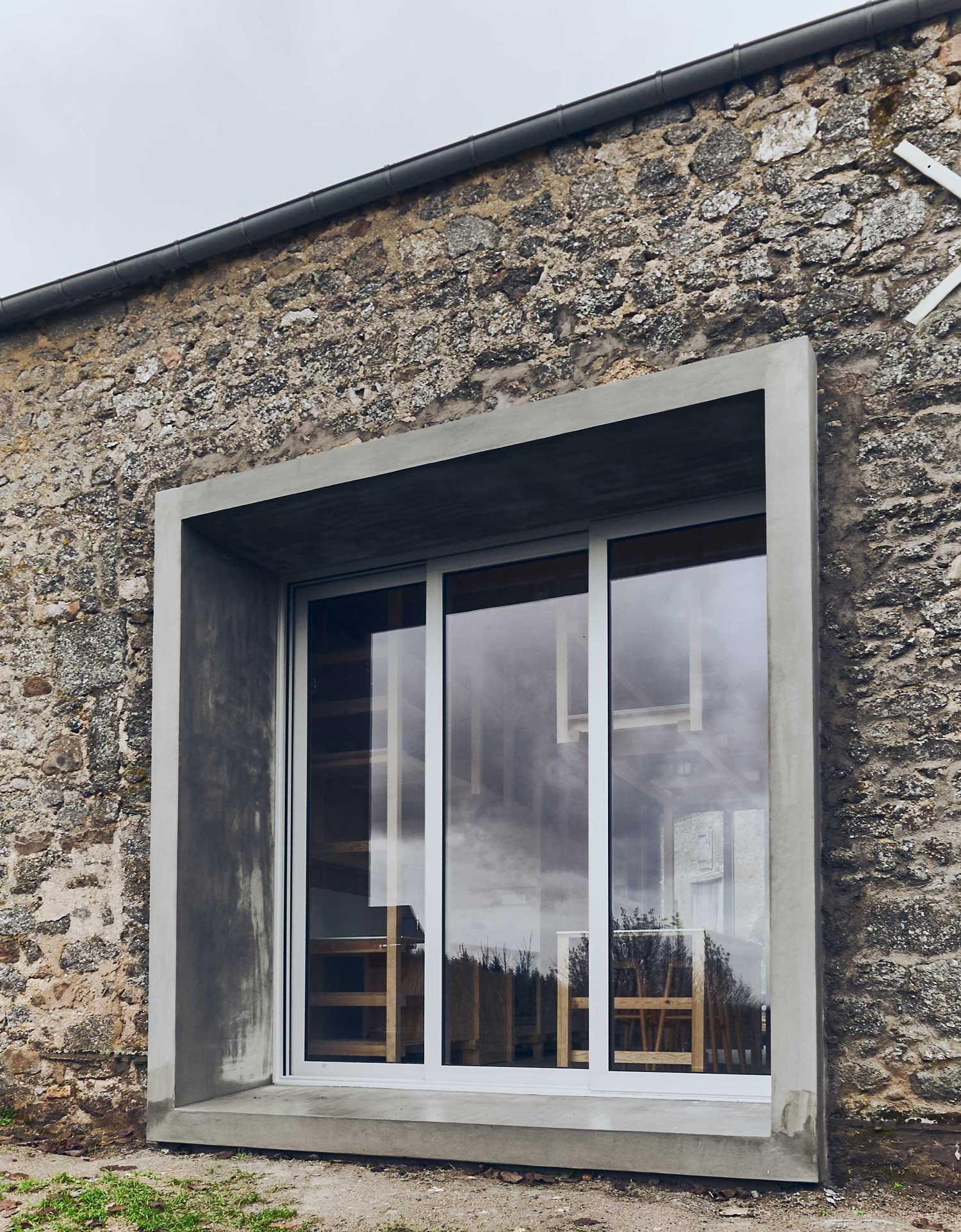 An Old Barn in Lormes, France Transformed Into a Contemporary Country House by Frank Minnaërt   Yellowtrace