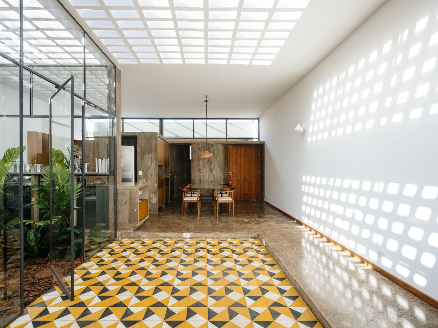 Ownerless House nº 01 in Avaré, Brazil by Vao Arquitetura   Yellowtrace