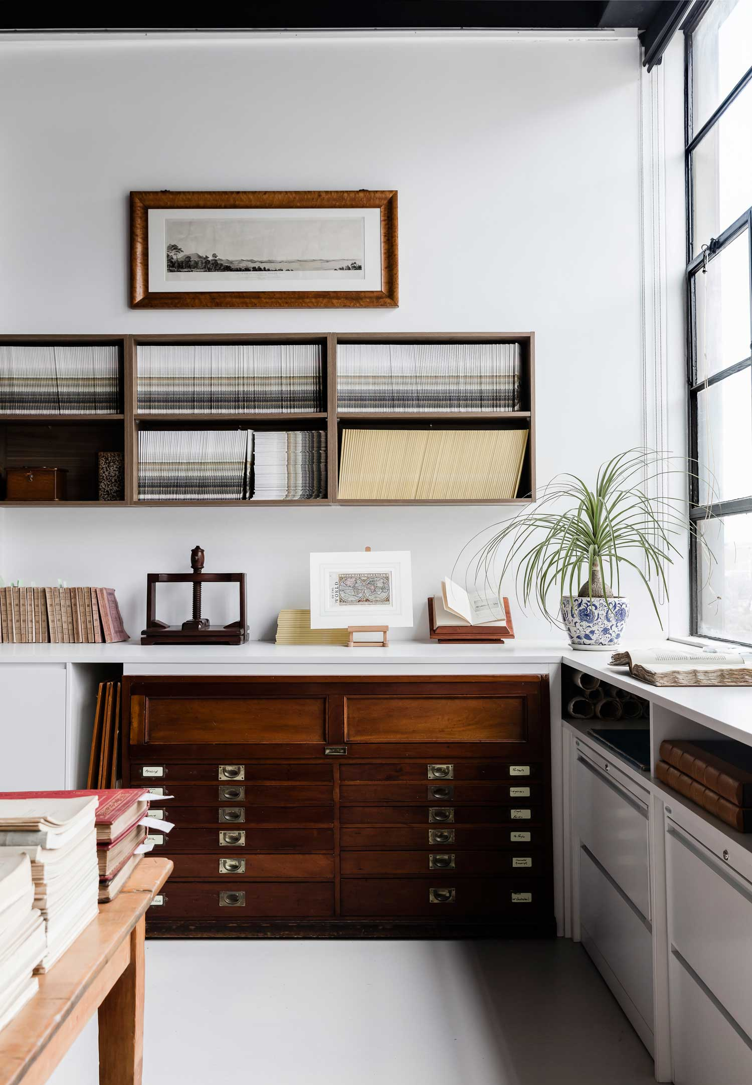 Rare Bookseller' Office Space in Surry Hills by Busatti Studio | Yellowtrace
