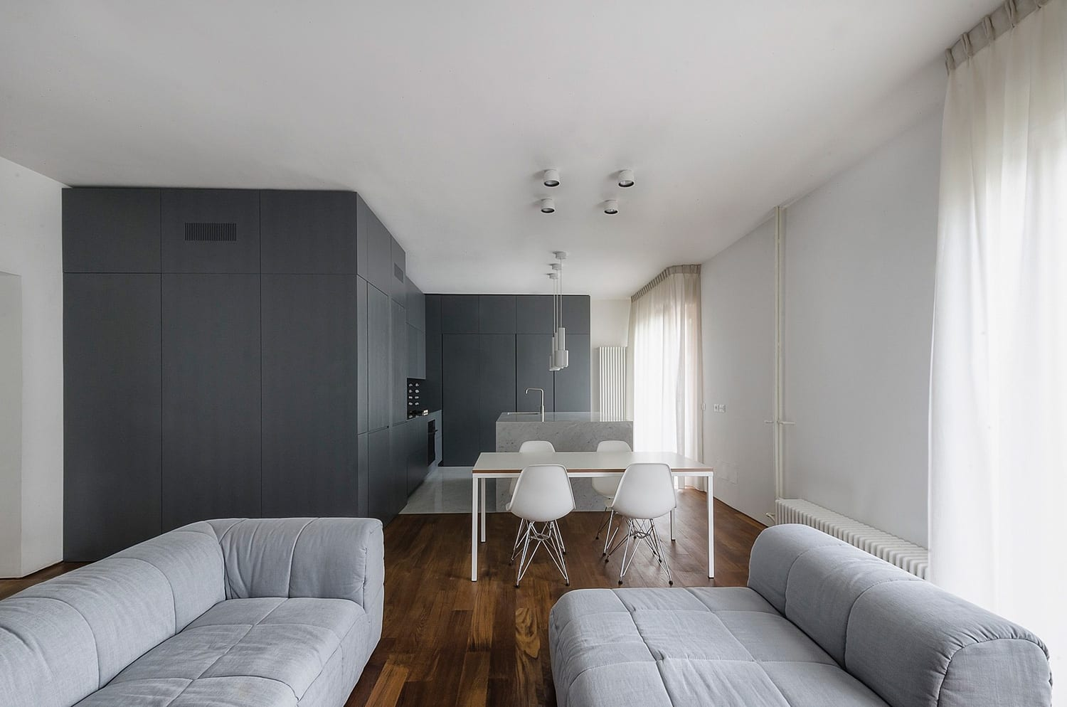 Apartment in Pisa by SUNDAYMORNING | Yellowtrace