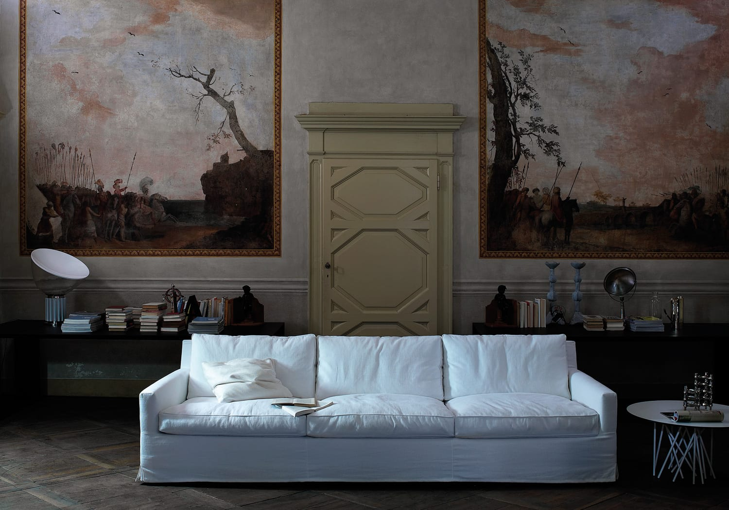 Arflex Cousy Sofa by Vincent Van Duysen | Yellowtrace