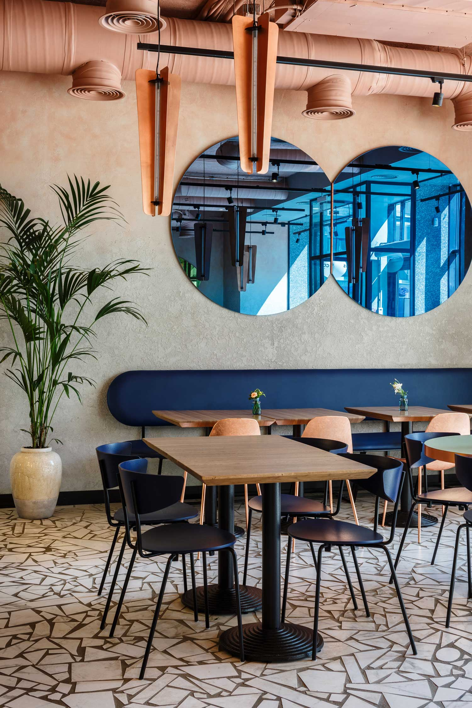 Cookers Restaurant in Moscow by VETER DESIGN | Yellowtrace