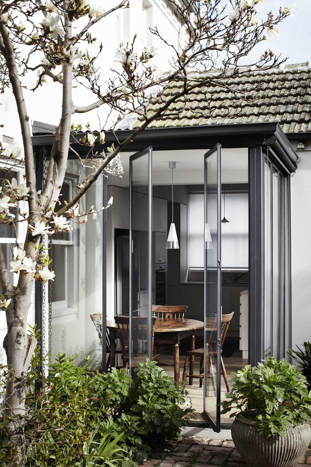 Garden House, Toorak by Templeton Architecture. Photo by Sharyn Cairns | Yellowtrace