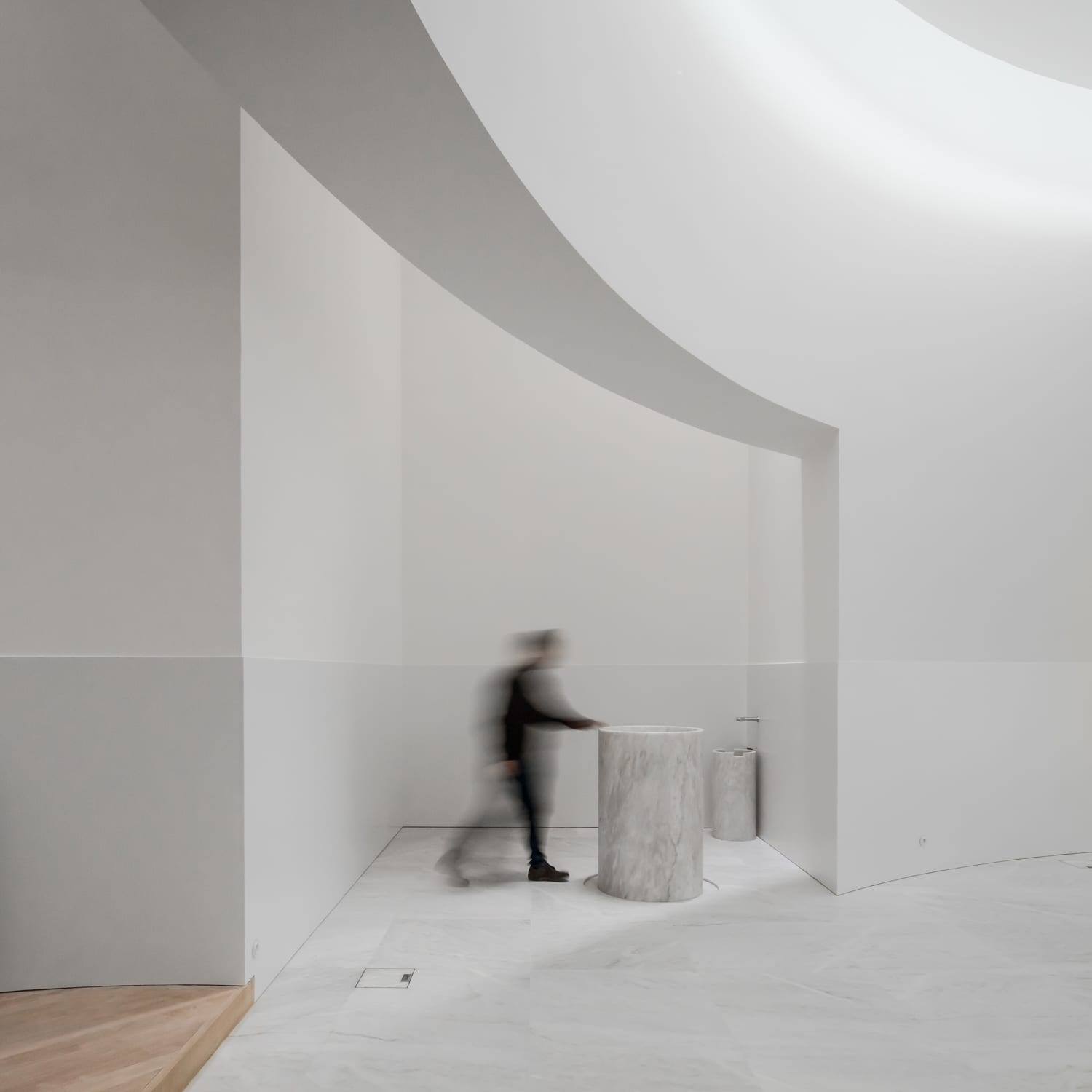 "alvaro siza report James gowan and álvaro siza"" at architectural association london   november 27), under the heading ""reporting from the front"", focuses on social  concerns."