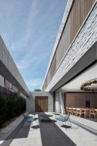 Armadale Residence by b.e architecture | Yellowtrace