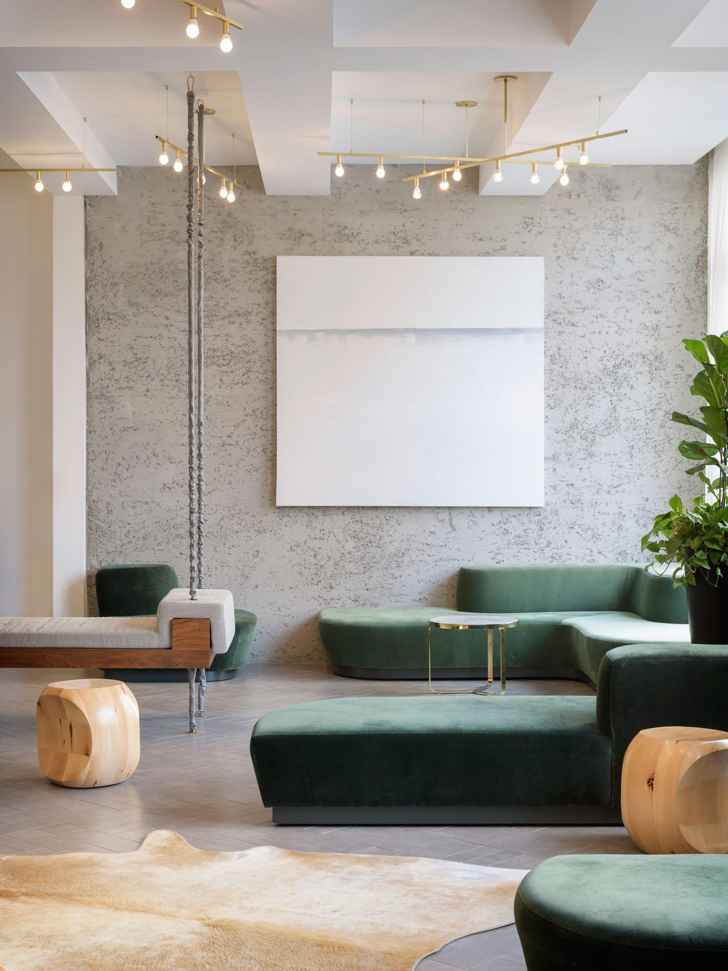 Hi lo hotel lobby in portland oregon by jessica helgerson for Hotel designer
