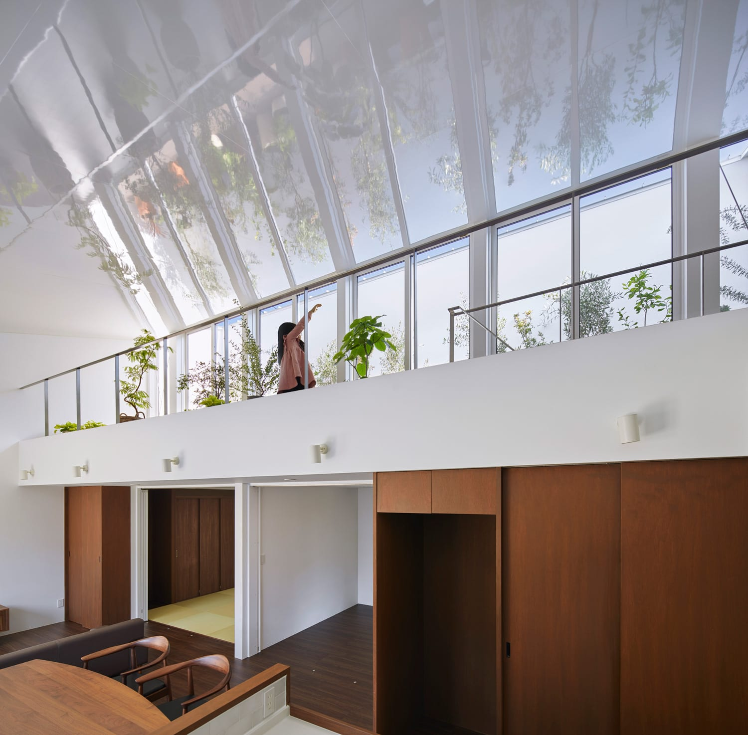 House with Plants in Japan by KamakuraStudio | Yellowtrace