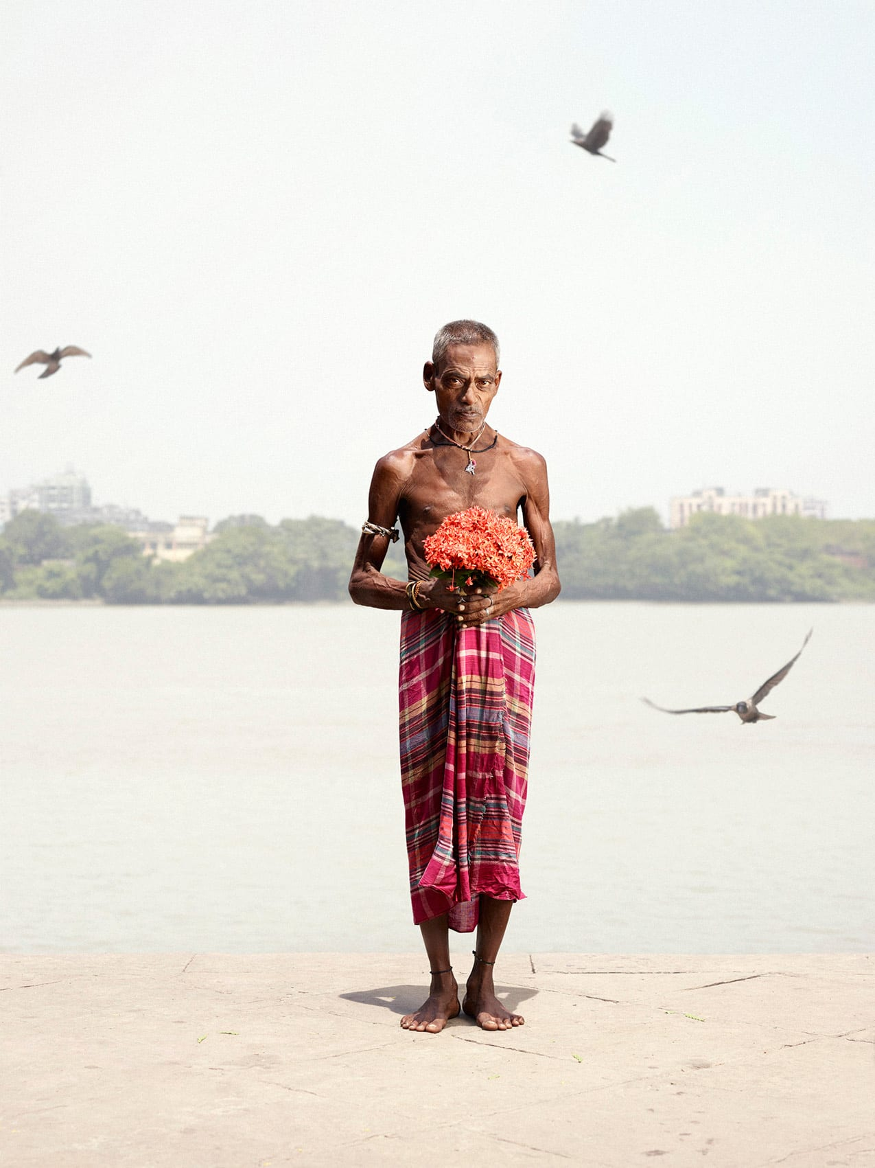 Portraits of Indian Flower Men by Danish Photographer Ken Hermann | Yellowtrace