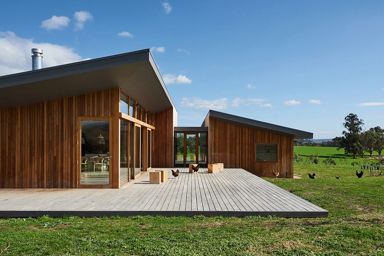 Yarra Valley House by FOLK Architects. Photography by Brooke Holm | Yellowtrace