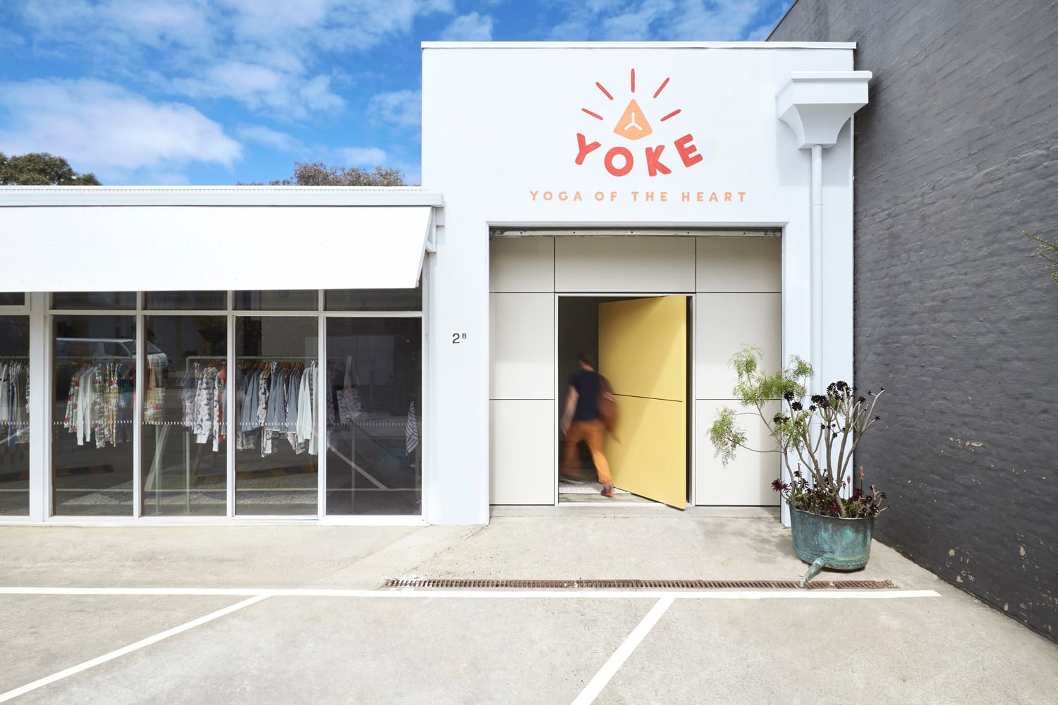 Yoke Yoga by FOLK Architects. Photography by Willem-Dirk du Toit | Yellowtrace