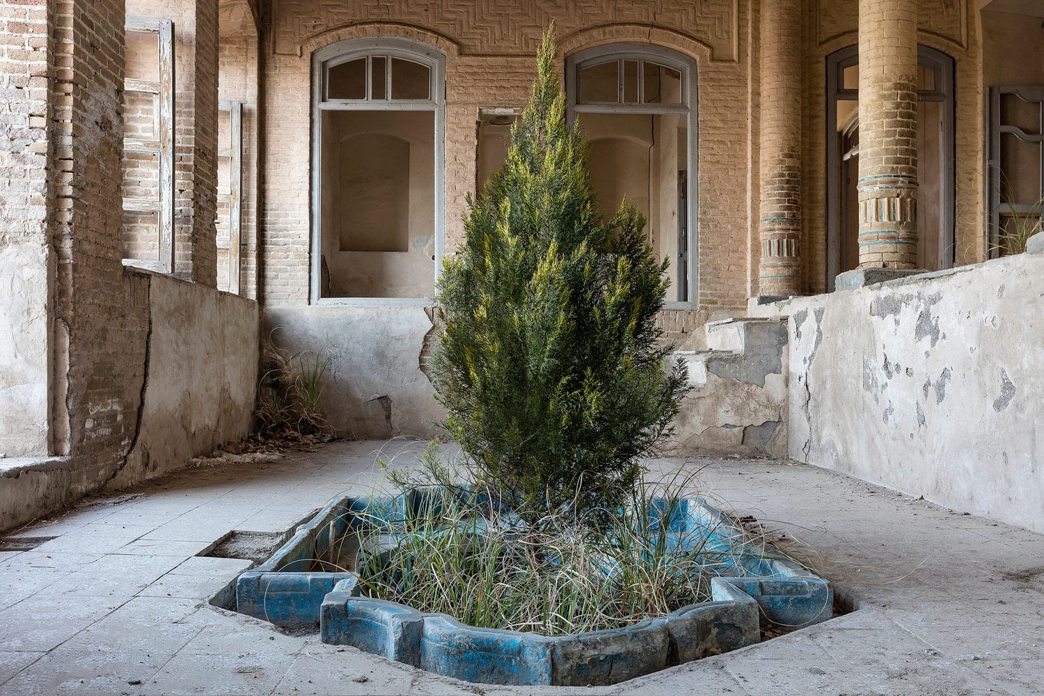 Iranian Abandoned & Overgrown Homes Captured by Gohar Dashti | Yellowtrace