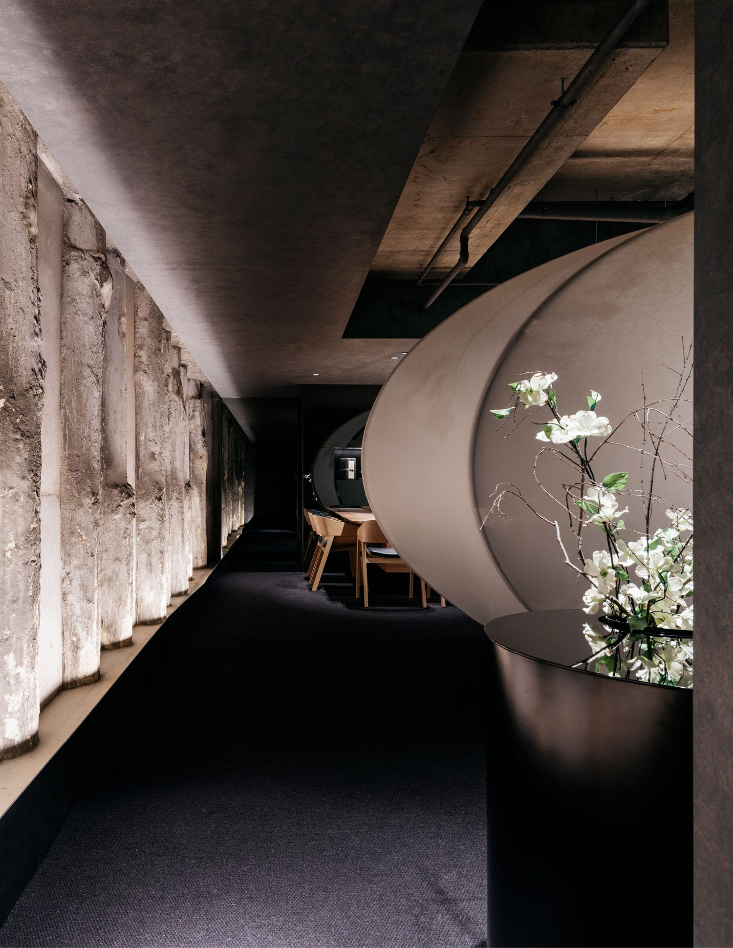 Ishizuka Restaurant Melbourne by Russell & George | Yellowtrace