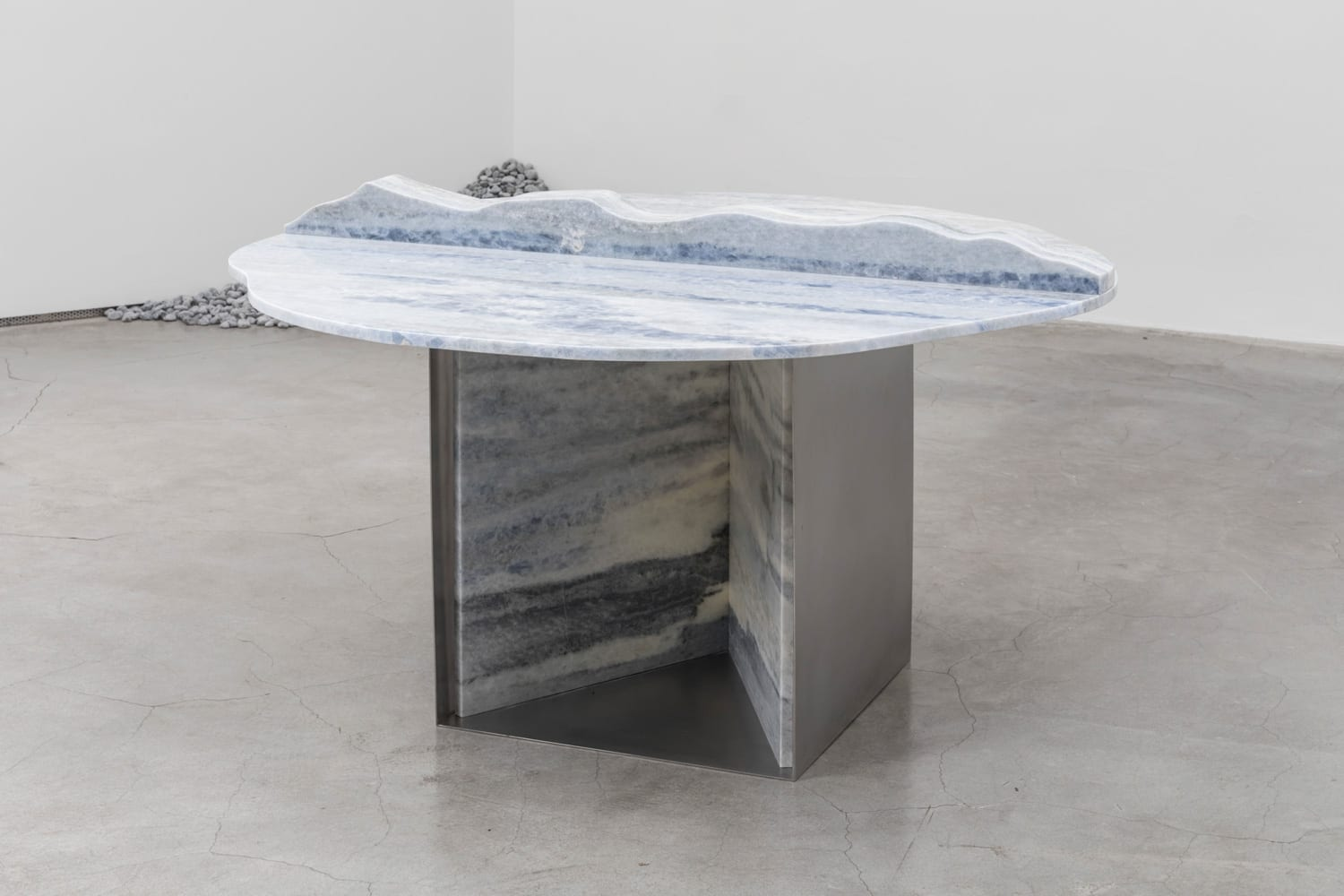 Wave Table by Jinsik Kim | Yellowtrace