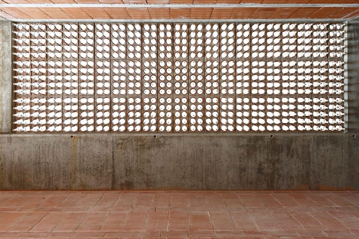 Espacio Transmisor Del Túmulo by Toni Gironés | Yellowtrace