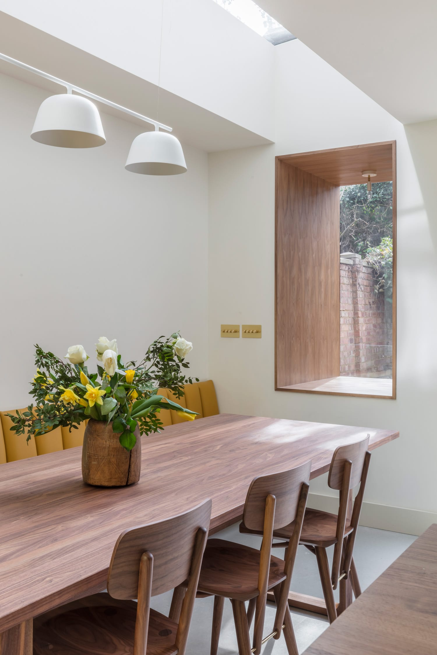 Brass House in West London by Simon Astridge | Yellowtrace