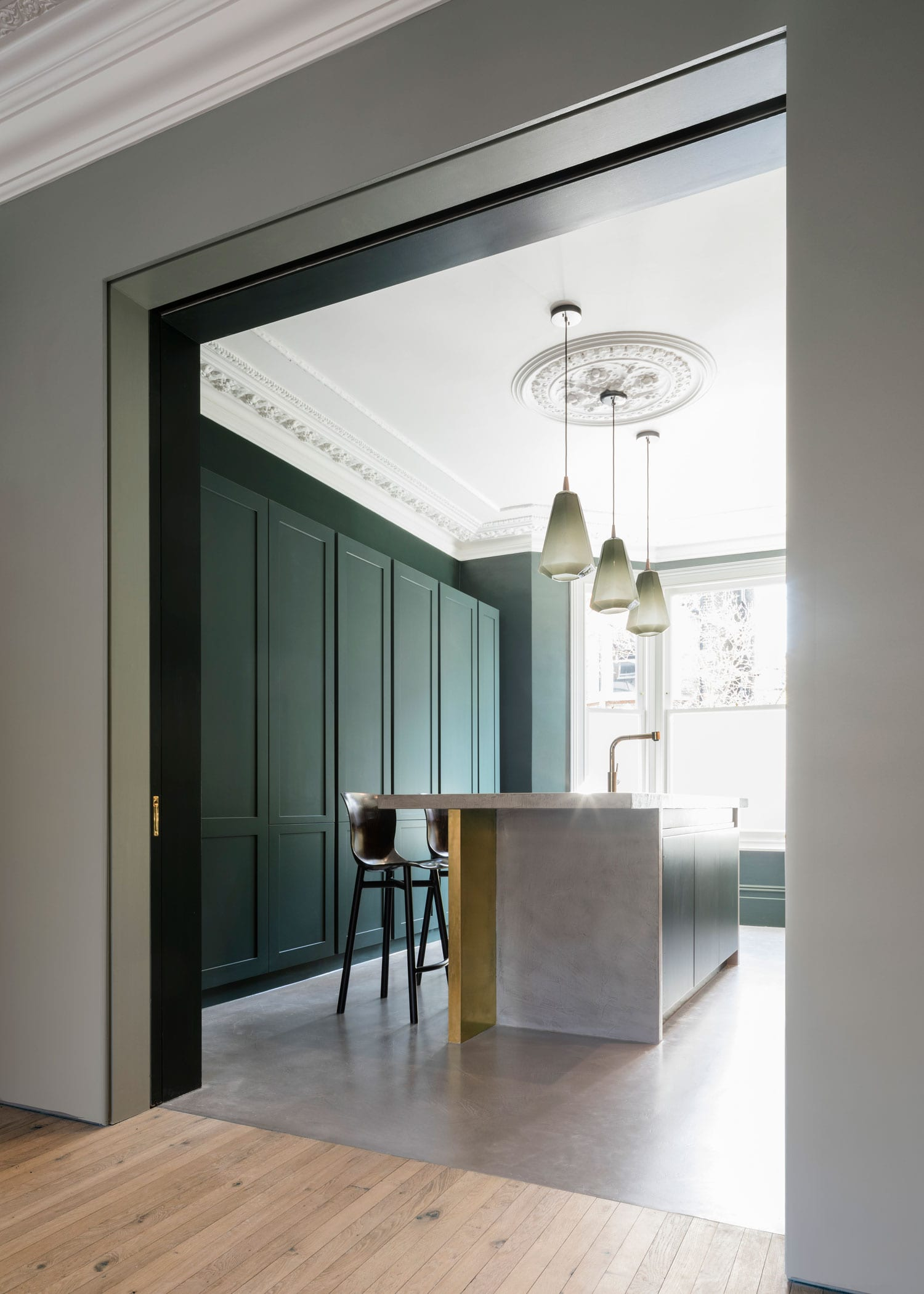 step house in north london by bureau de change yellowtrace. Black Bedroom Furniture Sets. Home Design Ideas