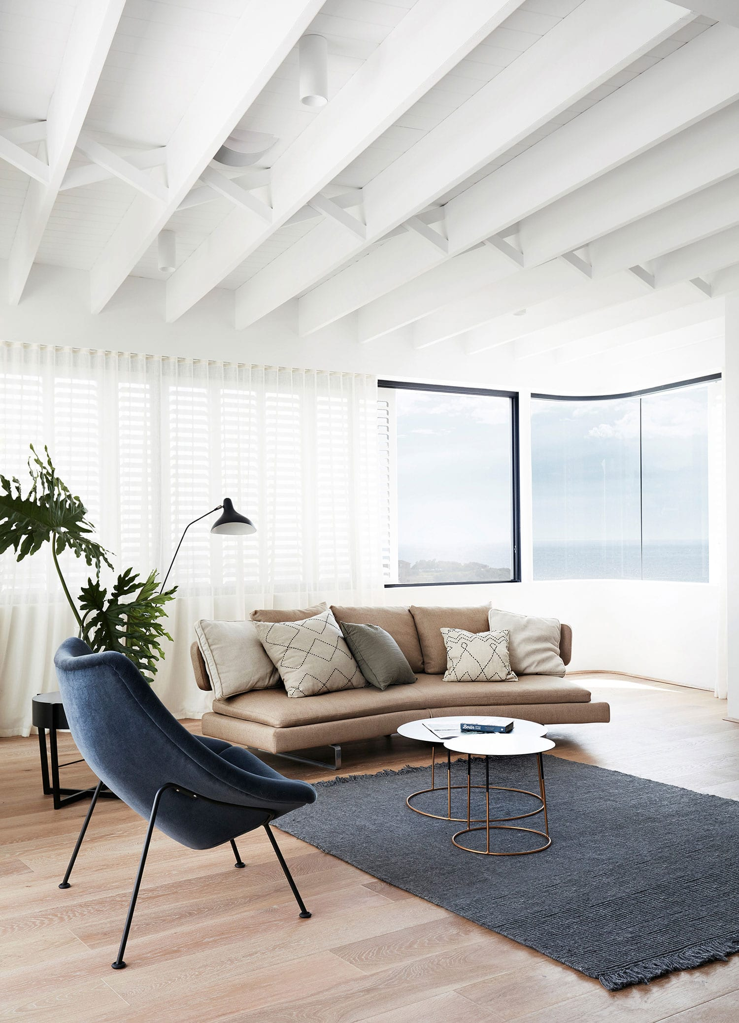 Tama's Tee Home in Tamarama, Sydney by Luigi Rosselli | Yellowtrace