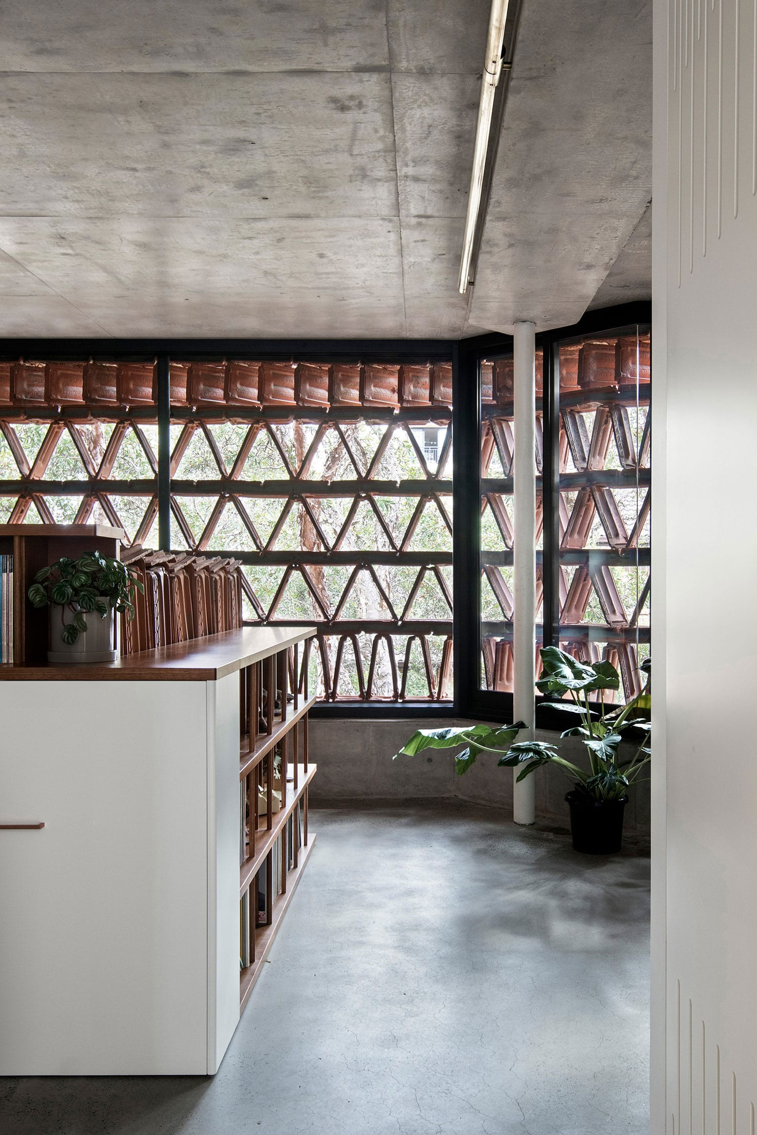 The Beehive in Surry Hills by Luigi Rosselli + Raffaello Rosselli | Yellowtrace