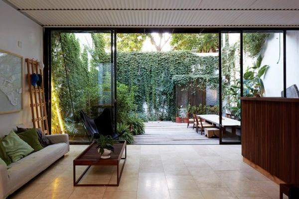 Clara House in Caballito, Argentina by Tovo Sarmiento arquitectos | Yellowtrace