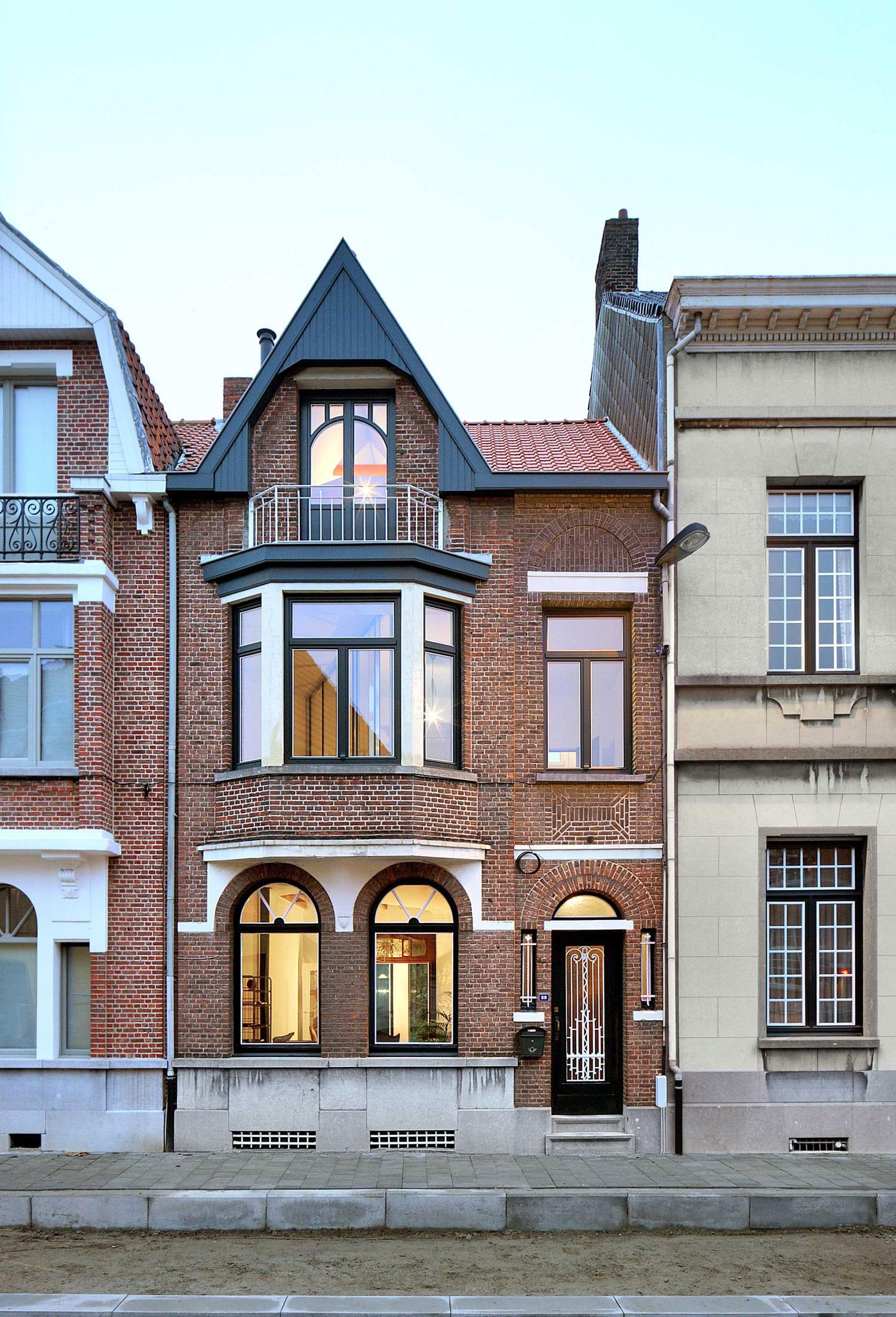 Vos House in Ekeren, Belgium by Architecten de Vylder Vinck Taillieu | Yellowtrace