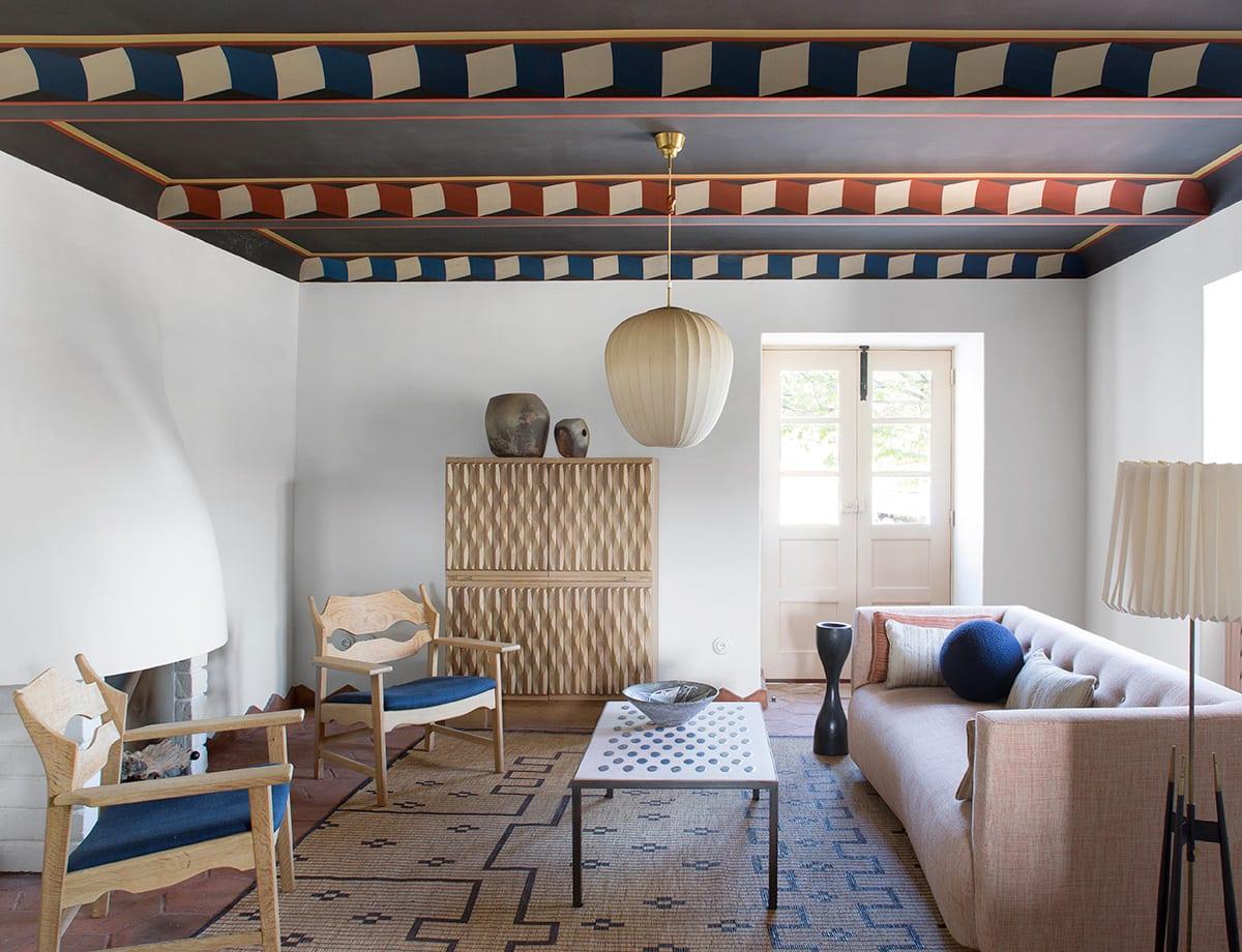Quinta da corte hotel in portugal by pierre yovanovitch for Decor hotel portugal
