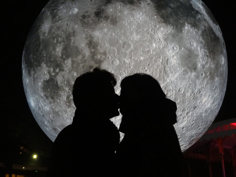 Museum of the Moon: Luke Jerram's Giant Illuminated Lunar Replica on World Tour   Yellowtrace