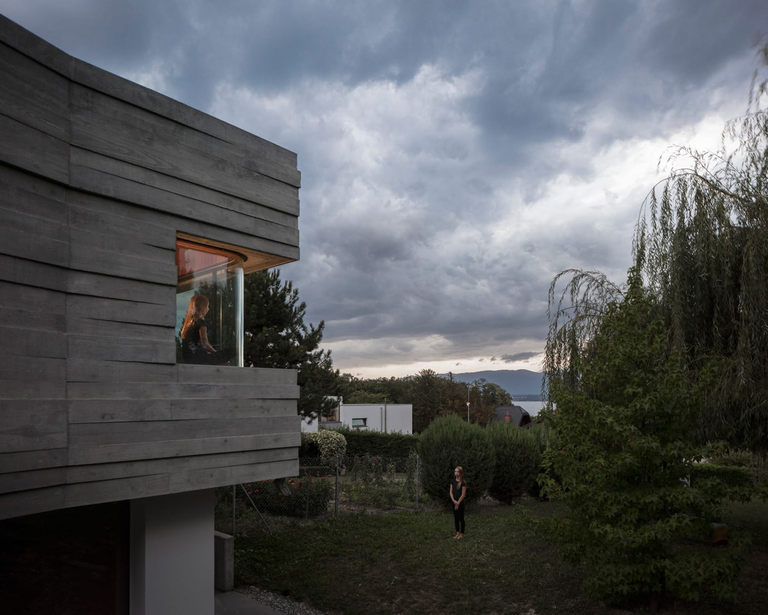 Panorama Suburbia House in Switzerland by Leopold Banchini & Daniel Zamarbide | Yellowtrace