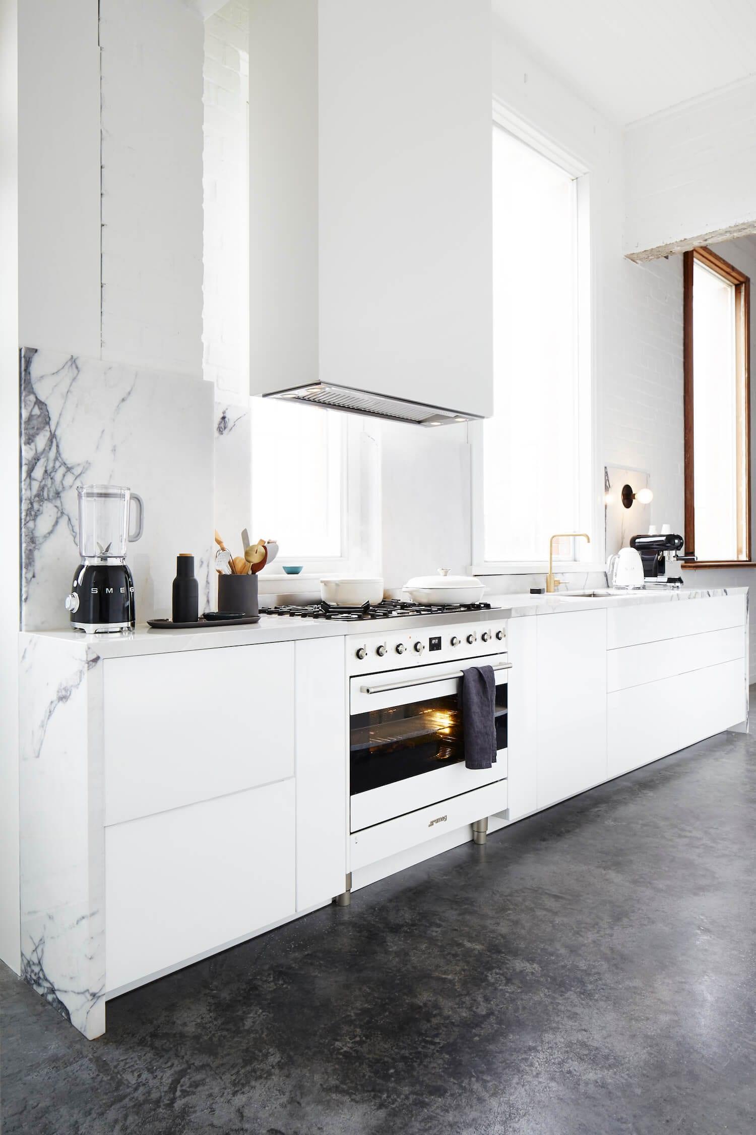Smeg Freestanding Cooker in Armelle Habib's Studio Kitchen   Yellowtrace