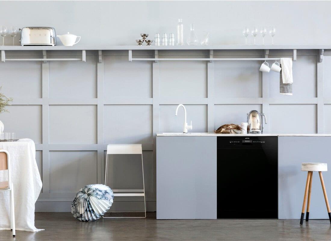 Smeg Freestanding Dishwasher DWA6314B | Yellowtrace