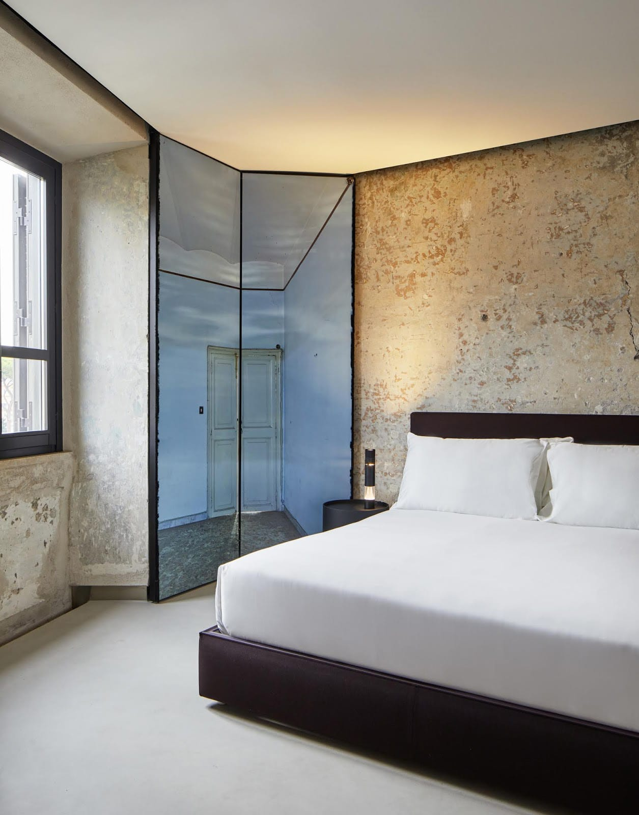 17thC Palazzo Transformed by Jean Nouvel into The Rooms of Rome Luxury Accommodation | Yellowtrace