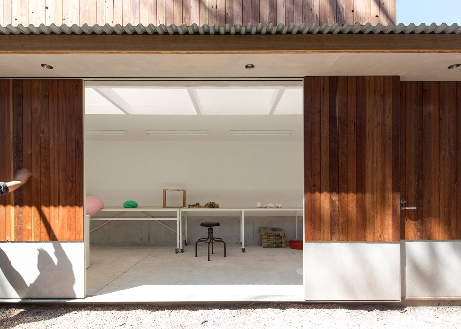 Art Shed/ Garden Gallery, Sydney by panovscott | Yellowtrace