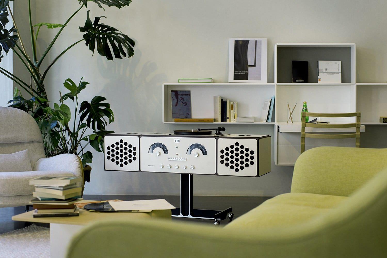 Brionvega RR126 Radiofonografo designed by Achille Castiglioni | Yellowtrace