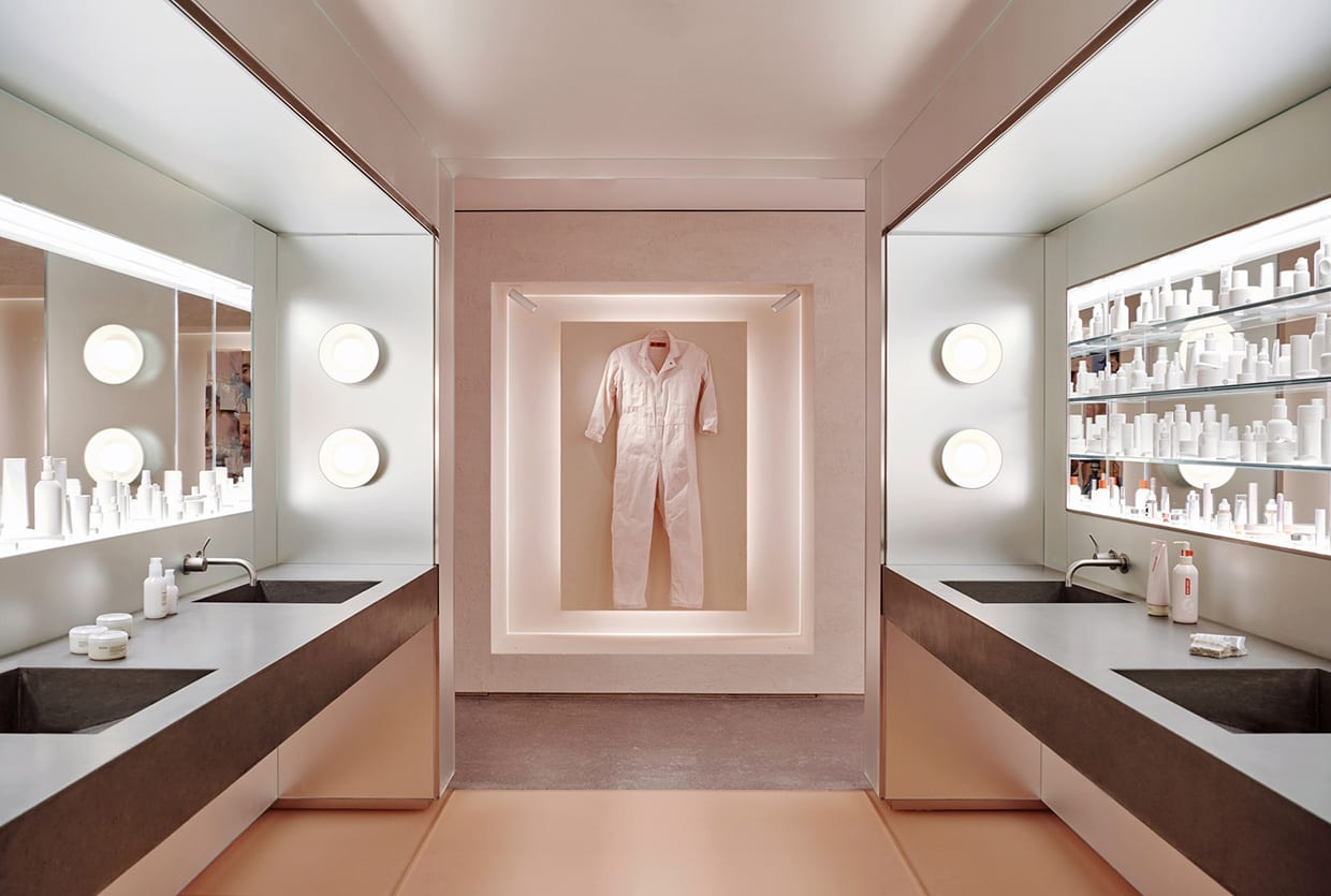 Glossier's Flagship Store in New York by Gachot Studios & PRO | Yellowtrace
