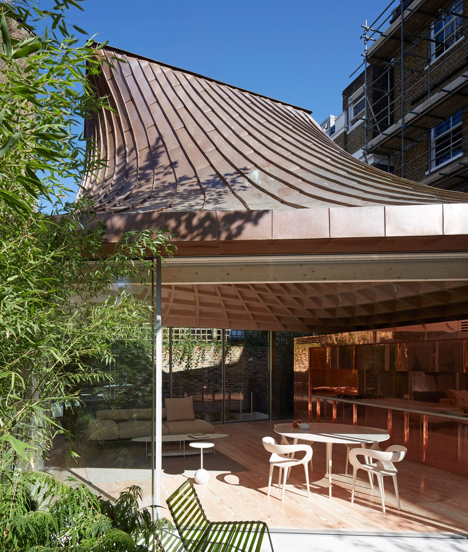 House in a Garden in Notting Hill, London by Gianni Botsford Architects | Yellowtrace