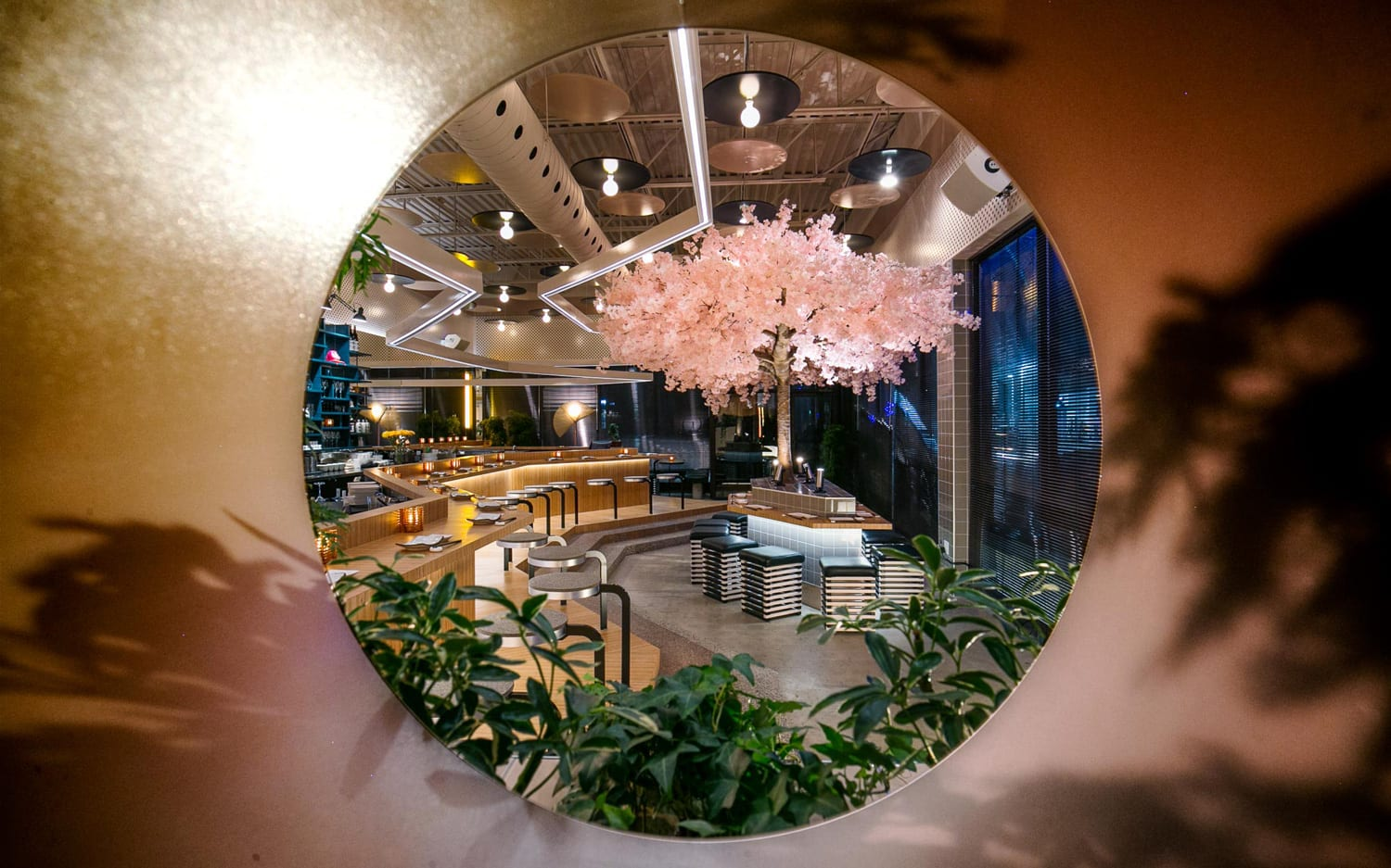 Le Blossom Japanese Restaurant Montreal by MÉNARD DWORKIND architecture & design | Yellowtrace