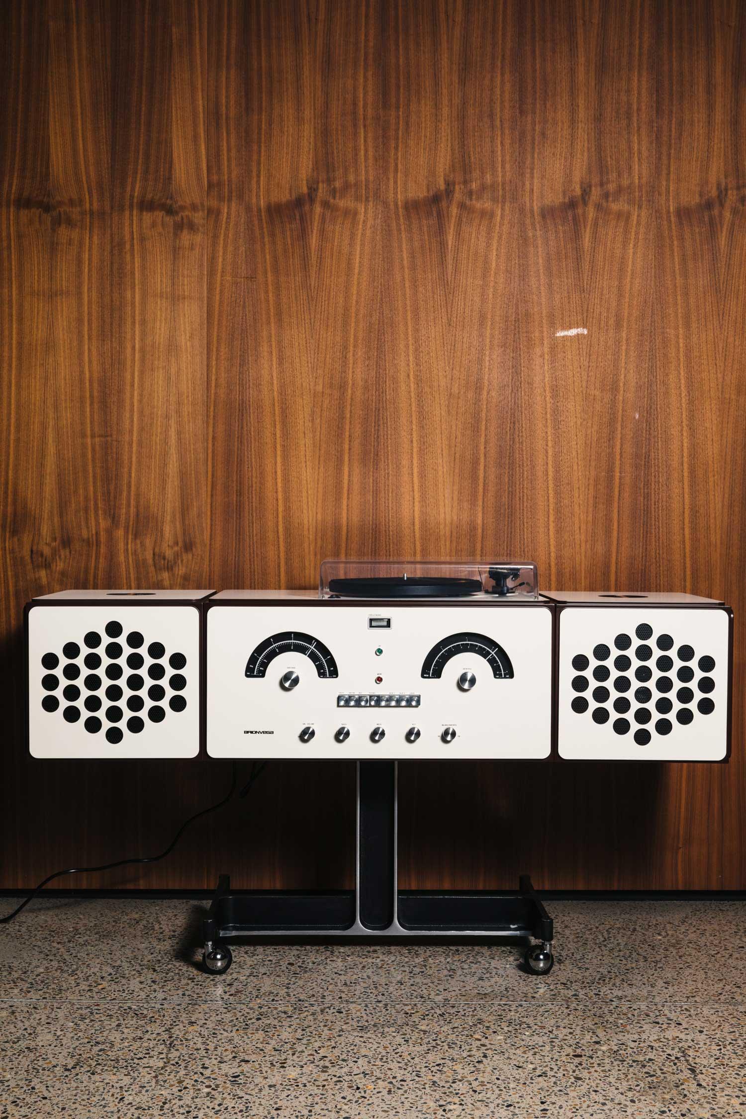 Brionvega RR126 Radiofonografo (limited Edition) designed by Achille Castiglioni | Yellowtrace