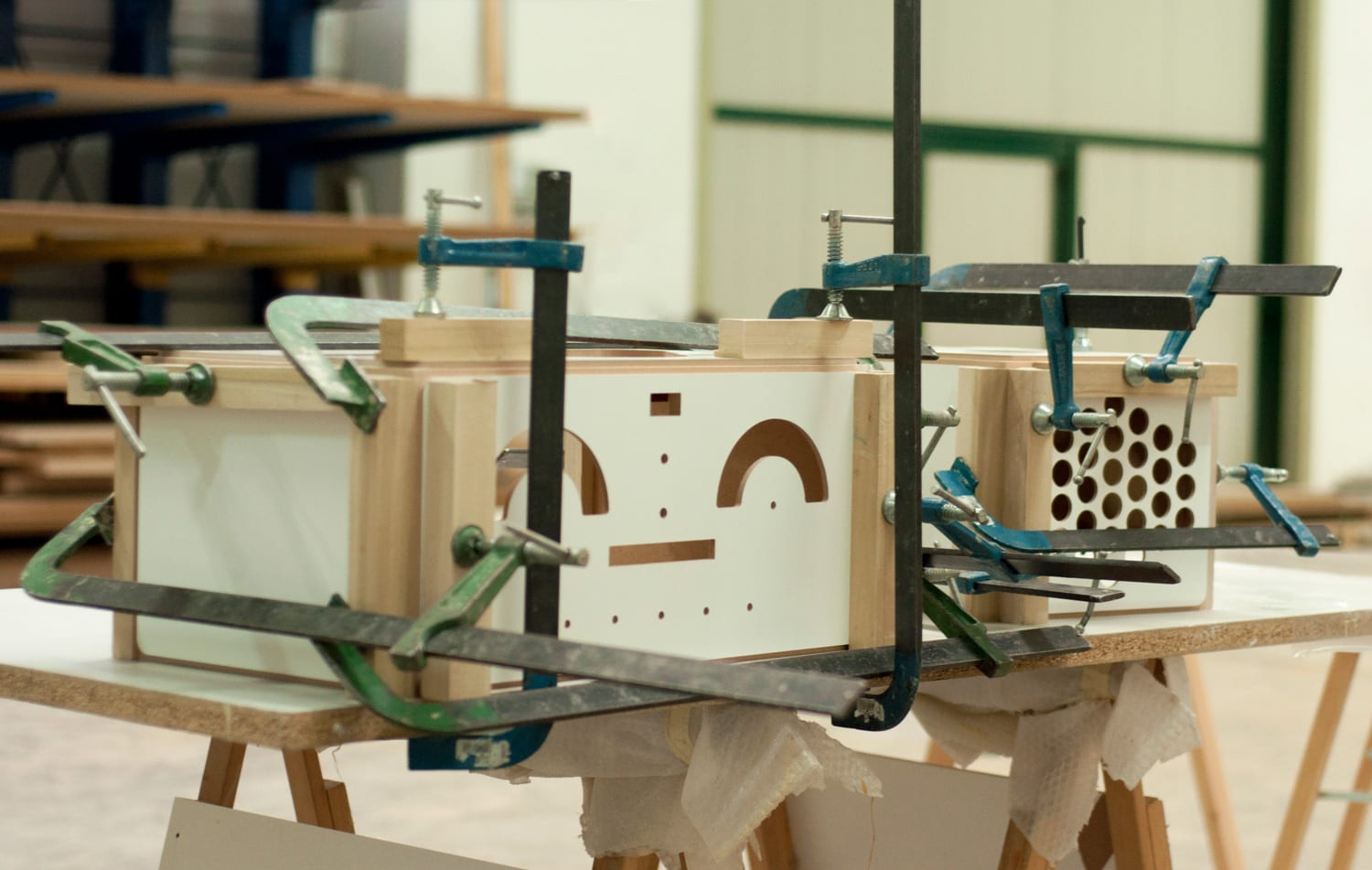 Making of Brionvega RR126 Radiofonografo designed by Achille Castiglioni | Yellowtrace