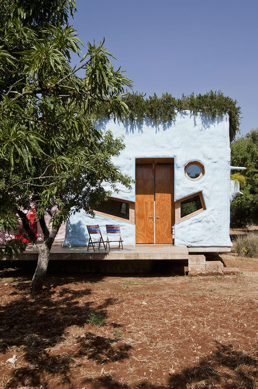 Pescetrullo: Polyurethane Houses in Puglia by Gaetano Pesce, Gabriele Pimpini & Studio Talent | Yellowtrace