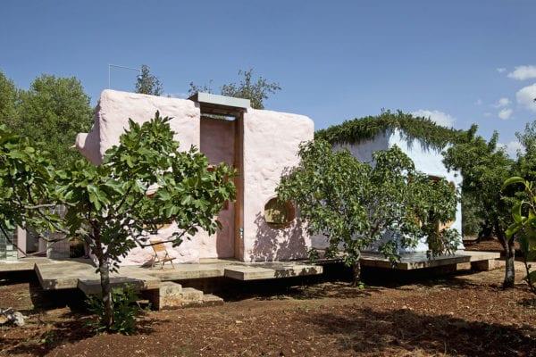 Pescetrullo: Polyurethane Houses in Puglia by Gaetano Pesce, Gabriele Pimpini & Studio Talent | Yellowtrace
