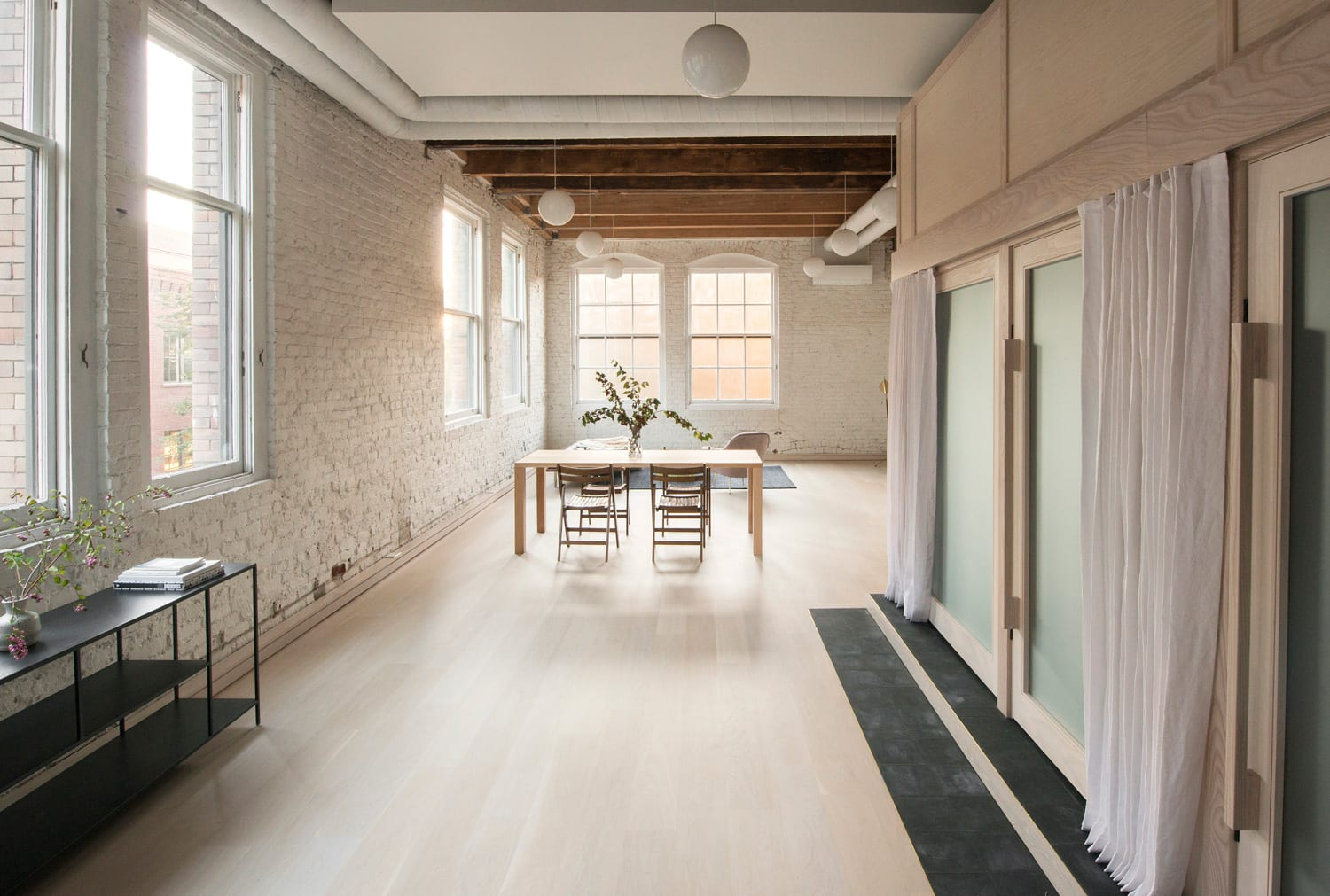 Pioneer Square Loft in Seattle USA by Le Whit   Yellowtrace