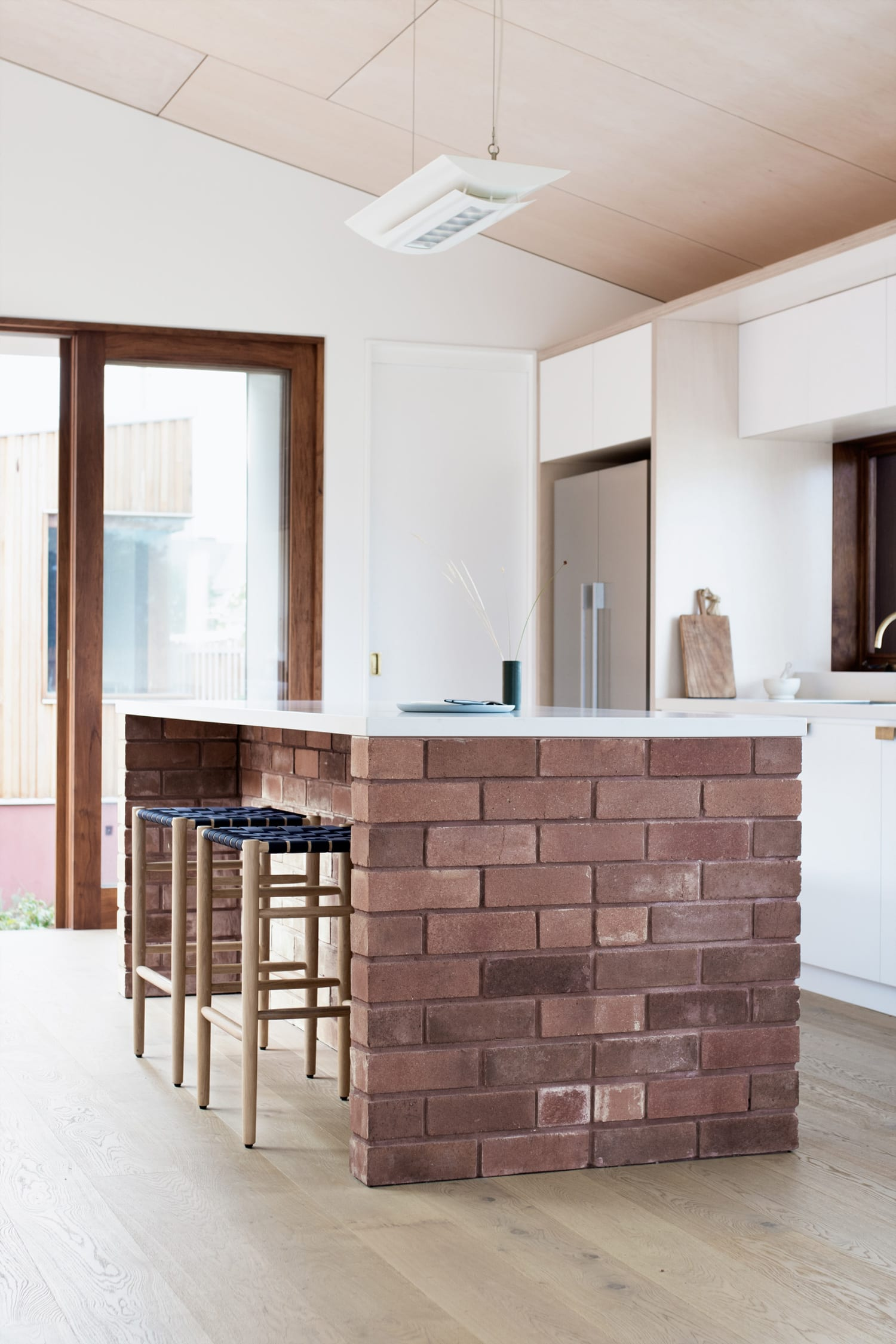 Three Piece House in Newcastle, Australia by TRIAS | Yellowtrace