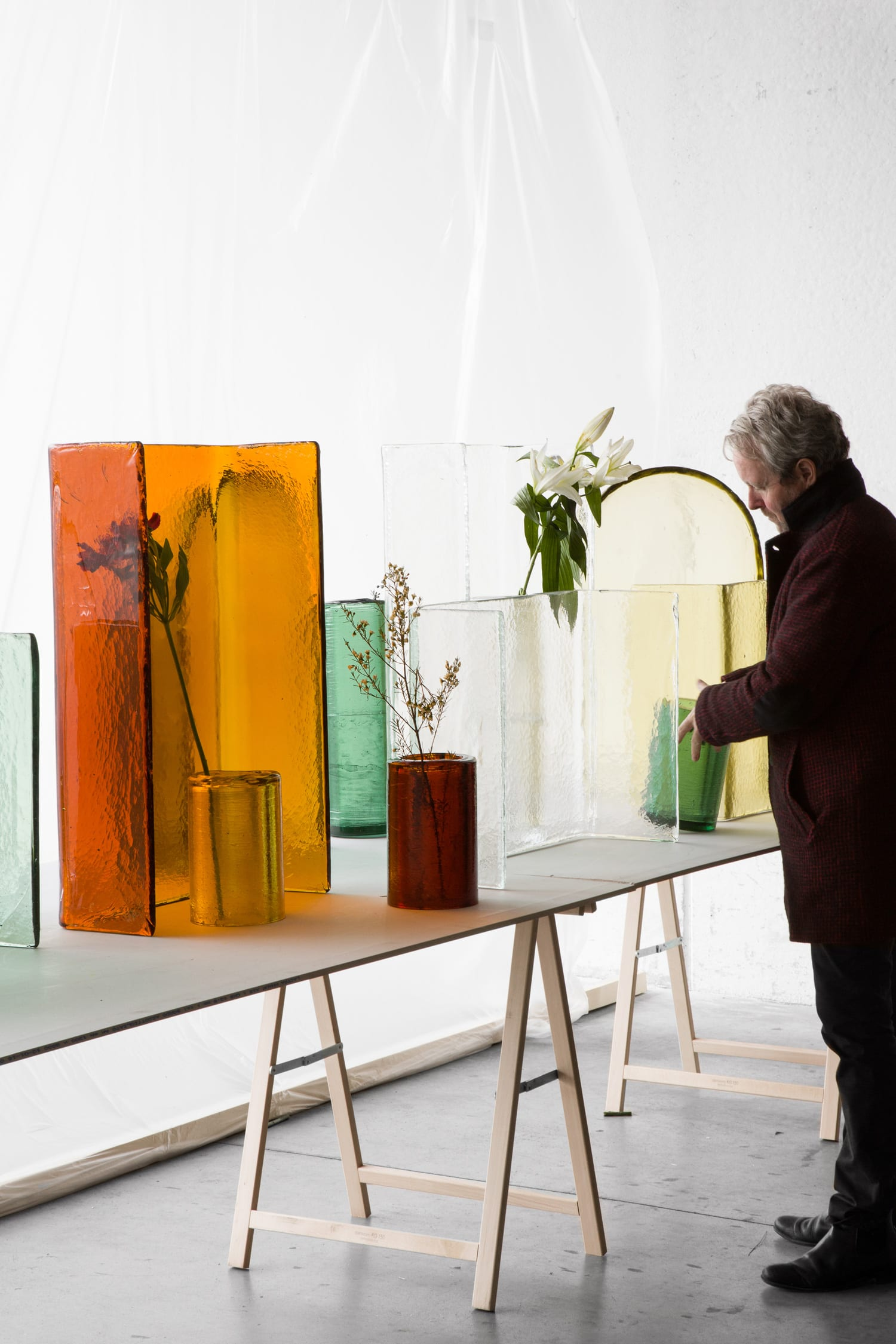 WonderGlass Alcova Vase Bouroullec. Photo by Claire Lavabre | Yellowtrace