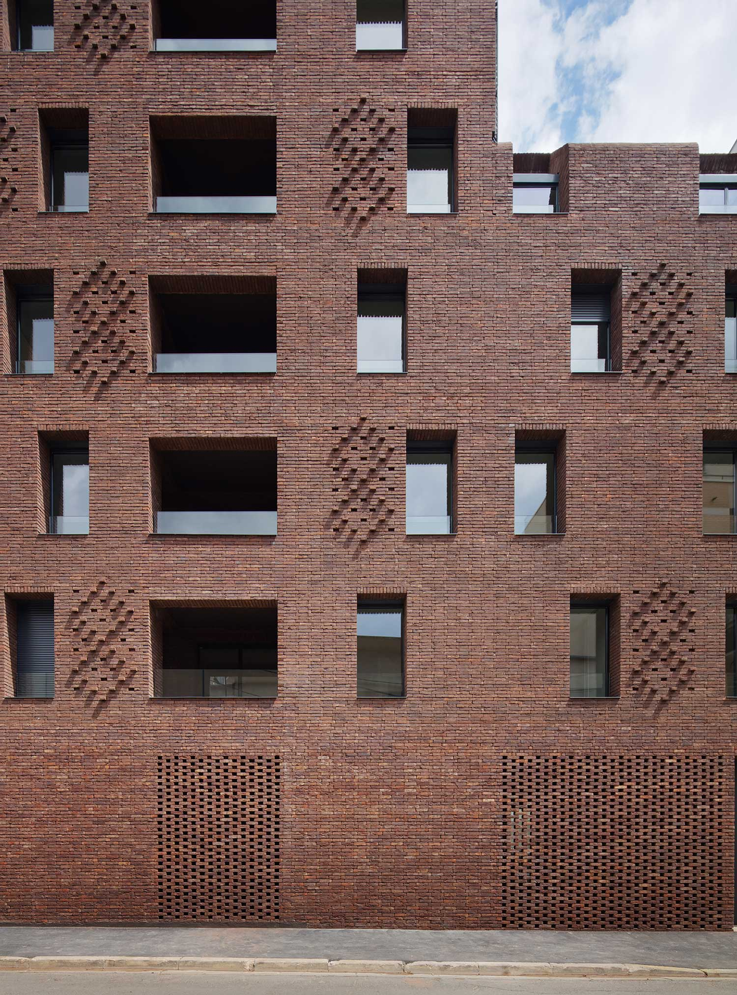 38 Housing Units by Avenier Cornejo Architectes | Yellowtrace