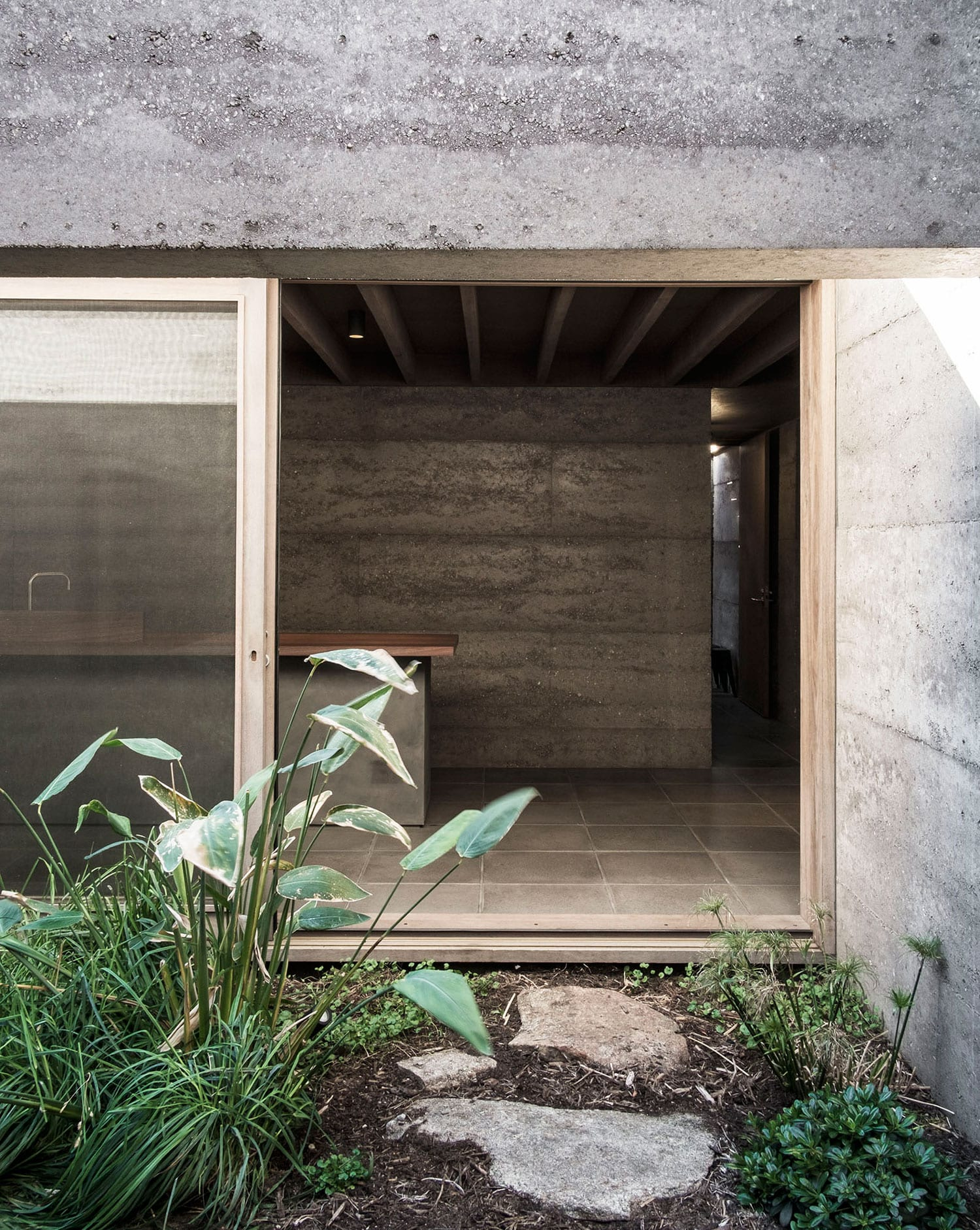 Cloister House in Perth, Australia by MORQ Architecture | Yellowtrace