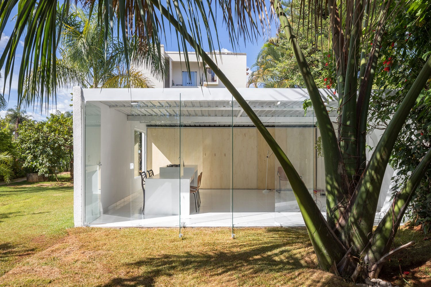 Compact, Budget Friendly Home in Brasilia, Brazil by Daher Jardim Arquitetura | Yellowtrace
